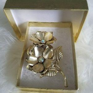 Vintage antique golden brooch 2 flowers and leaves